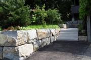 Gartenmauer  Mauer und Treppe Quarzsandstein